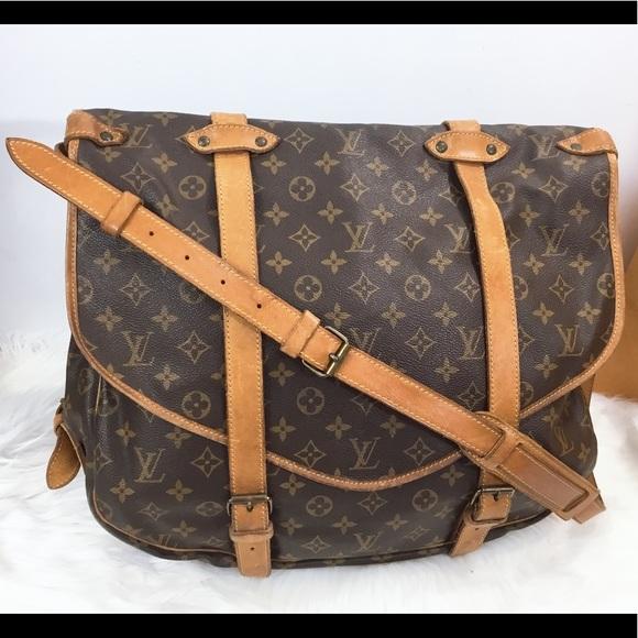 05e4a4c587 100%Authentic Louis Vuitton 1989 Vintage Saumur 40